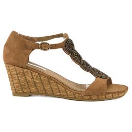 Corina Ozdobne sandały na koturnie brązowe