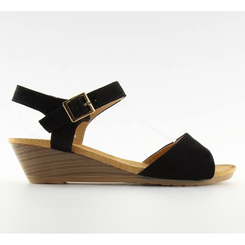 Sandałki na niskim koturnie czarne LS-89015
