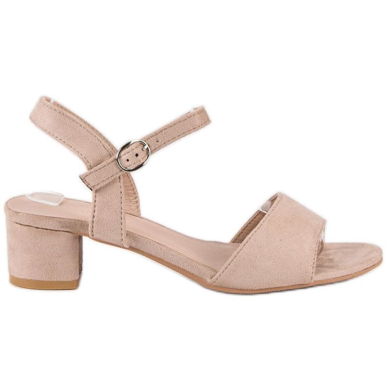 Ideal Shoes Zamszowe sandały na niskim obcasie brązowe