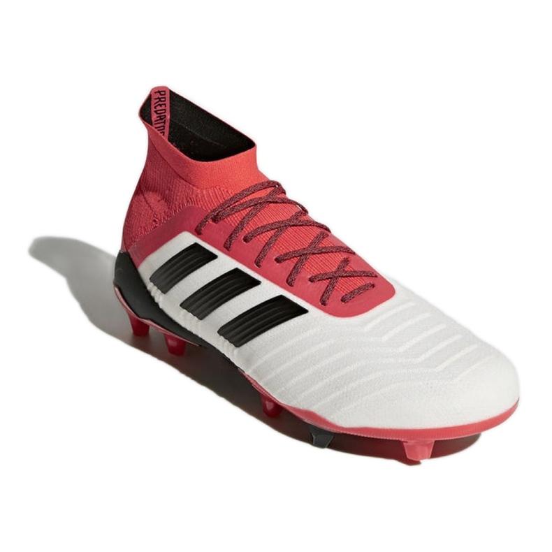 Buty piłkarskie adidas Predator 18.1 Fg M CM7410 białe białe