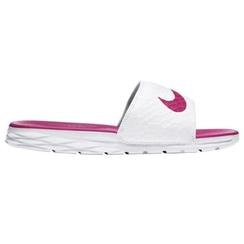 Klapki Nike Benassi Solarsoft Slide 705475-160 białe
