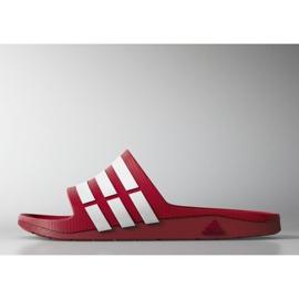 Czerwone Klapki adidas Duramo Slide M G15886