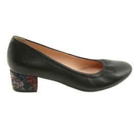Czółenka buty damskie skórzane Arka 5627 czarne