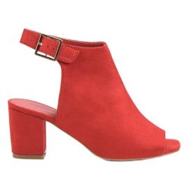 Super Mode czerwone Zabudowane Sandały Na Słupku