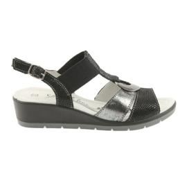Filippo Komfortowe sandały skórzane na koturnie