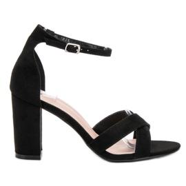 Ideal Shoes czarne Sandałki Na Słupku