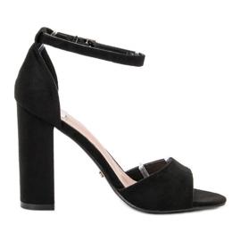 Ideal Shoes czarne Wygodne Sandałki Na Obcasie