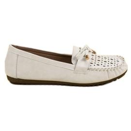 Top Shoes Białe Ażurowe Mokasyny