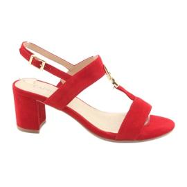 Sandały na słupku czerwone Caprice 28303