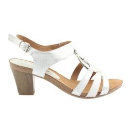 Caprice sandały damskie z ozdobą 28308 srebrny owal