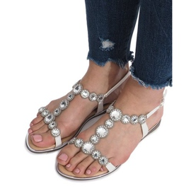 Białe płaskie sandały z diamentami Indulge