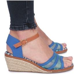 Niebieskie sandały na niskiej koturnie Monro