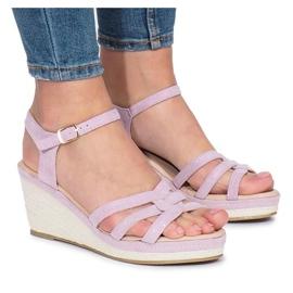 Fioletowe sandały na koturnie Glavel