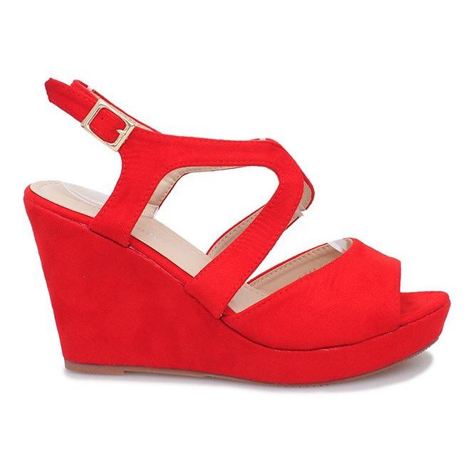 Czerwone sandały na koturnie Mosso