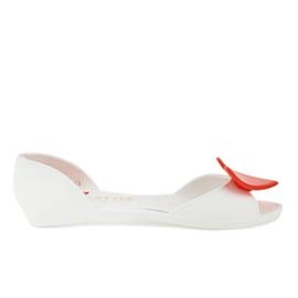 Białe meliski balerinki gumowe z sercem KM121-15