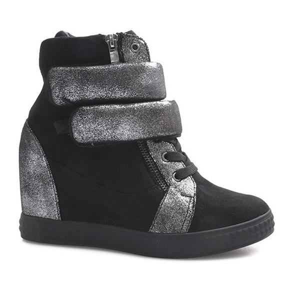 Czarne zamszowe sneakersy na rzepy Amelia