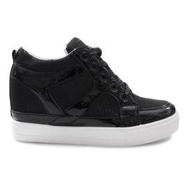 Czarne sneakersy na koturnie Lucienne