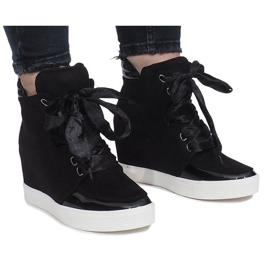 Czarne zamszowe sneakersy Nathalie