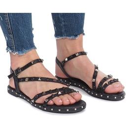 Czarne płaskie sandały z ćwiekami Abloom