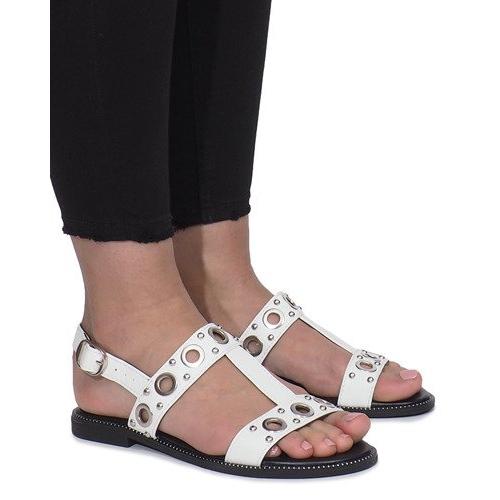 Białe płaskie sandały z ćwiekami Saint