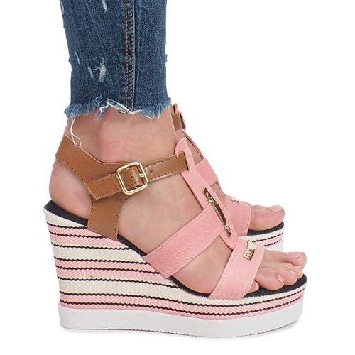 Różowe sandały na koturnie Sweet
