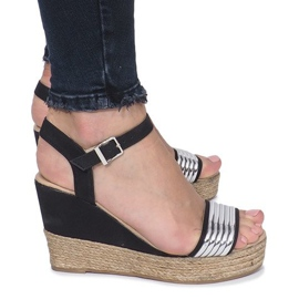 Czarne sandały na delikatnej koturnie Glam Shine