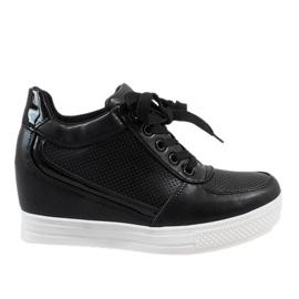 Czarne sneakersy ze złotym suwakiem MY560