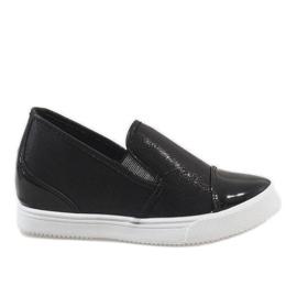 Czarne sneakersy na koturnie DD436-1