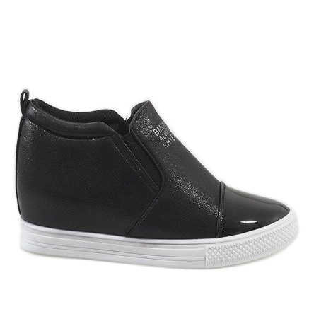 Czarne sneakersy na koturnie DD392-4