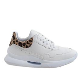 Białe obuwie sportowe R-377