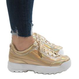 Złote modne obuwie sportowe 82017 żółte