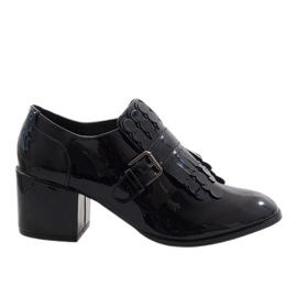 Czarne lakierowane botki na obcasie PZY-02