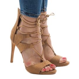 Beżowe sandały na szpilce 8127-14 brązowe