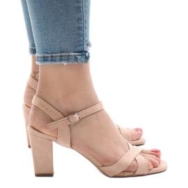 Różowe sandały na obcasie FH39002