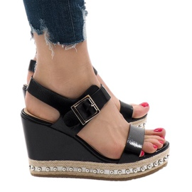 Czarne Srebrne lakierowane sandały na koturnie 17060-73