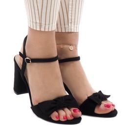Czarne sandały na obcasie Gh 1508