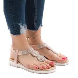 Różowe sandały ozdabiane S11