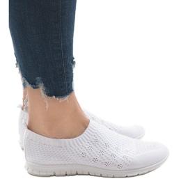Białe obuwie sportowe B111-13