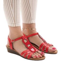 Czerwone sandały na koturnie 860-57