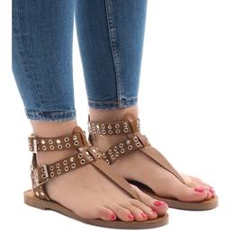 Brązowe sandały płaskie z klamerką B12-4