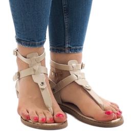 Brązowe Beżowe sandały na koturnie z klamrą B12-5
