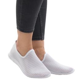 Białe obuwie sportowe 909-17