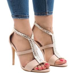Beżowe sandały na szpilce B-60 brązowe