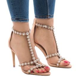 Nude sandały na szpilce z ćwiekami 8296-Y