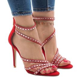 Czerwone sandały na szpilce 9081-9