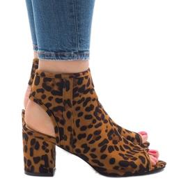 Panterka sandały z cholewką C-7226