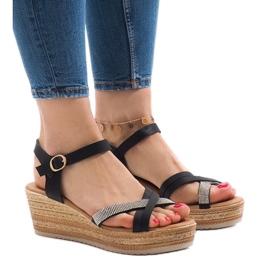 Czarne sandały na platformie WS8816