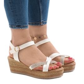 Białe Biały sandały na platformie WS8816