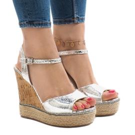 Srebrne sandały na koturnie 226-1 szare