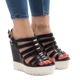 Czarne sandały na platformie MC-12